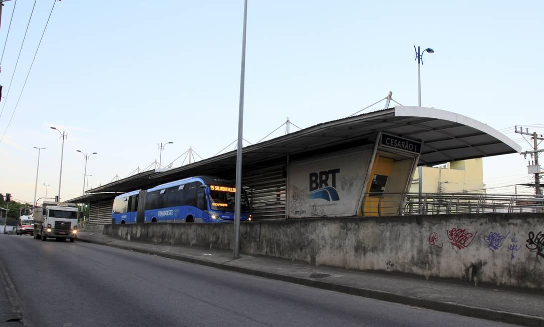 Prefeitura afirma que cinco estações do BRT na Zona Oeste foram dominadas pelo tráfico Foto: Uanderson Fernandes / Agência O Globo