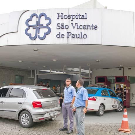 Hospital São Vicente de Paulo suspendeu serviços por falta de insumos. Foto: Rodrigo Chadí/Fotoarena / Agência O Globo Foto: Parceiro / Agência O Globo