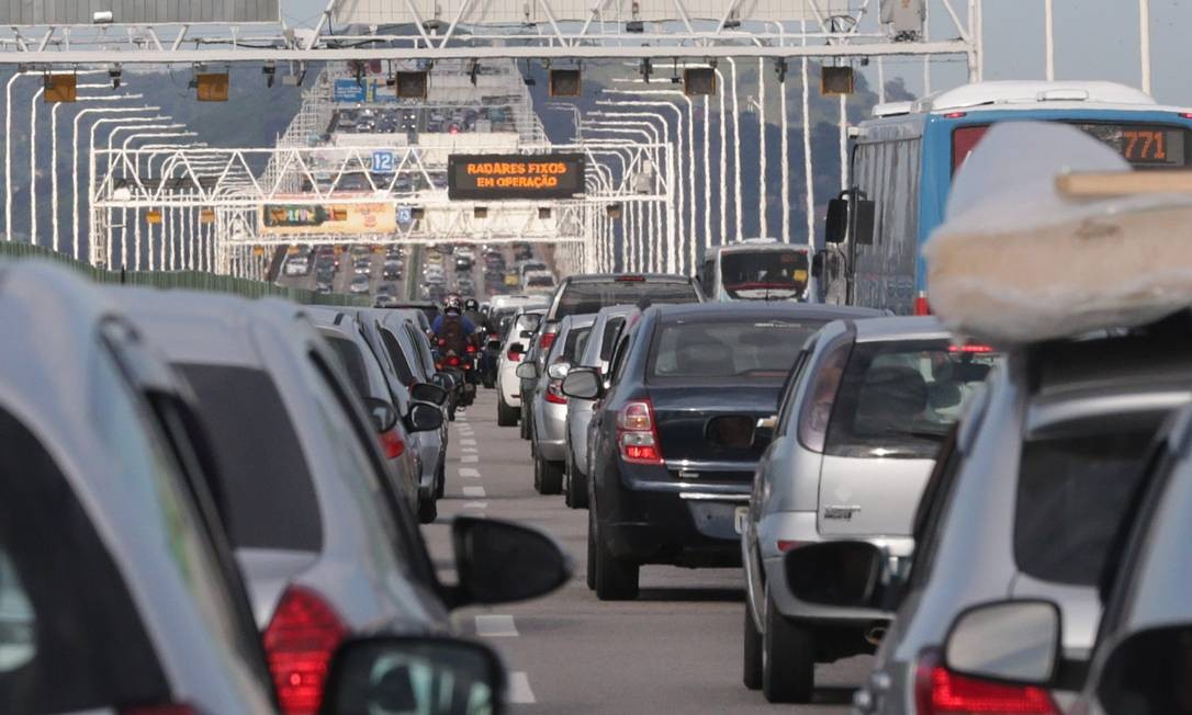 Estradas têm esquema especial de trânsito para feriado de Corpus Christi