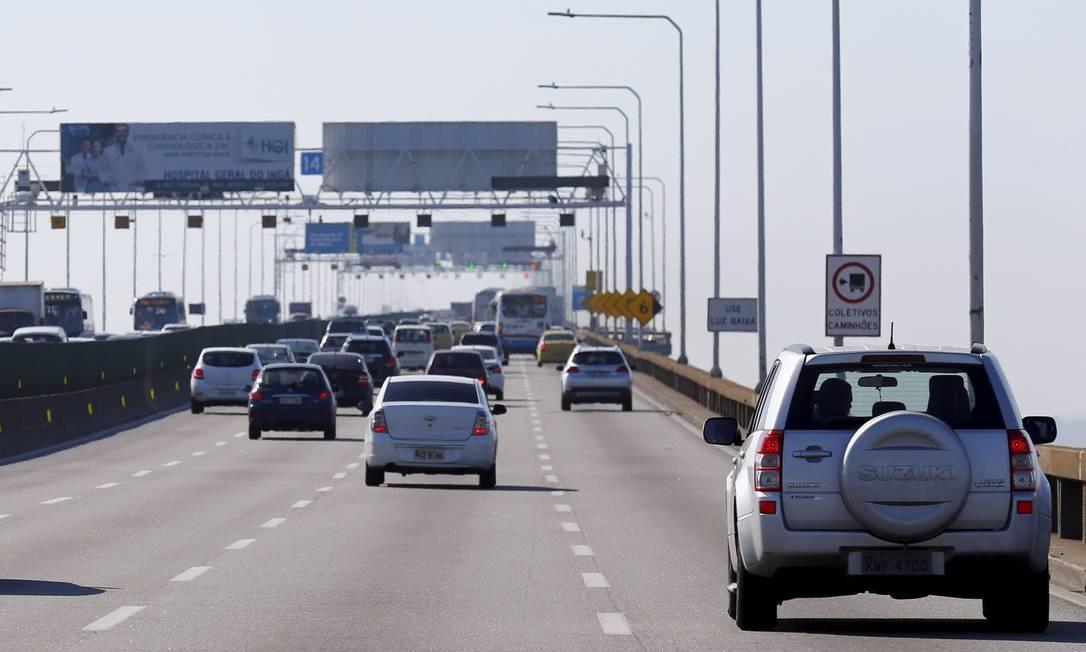 Rodovias no Rio têm movimentação tranquila no primeiro dia do feriadão