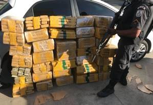 Droga apreendida pela PM na Dutra Foto: Divulgação/PM