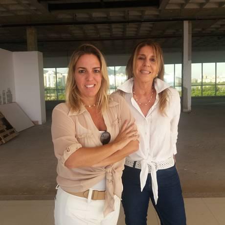 Mostra de Sabrina (à esquerda) e Lígia vai ocupar área de 2 mil m² no CasaShopping em agosto Foto: divulgação/morar mais por menos