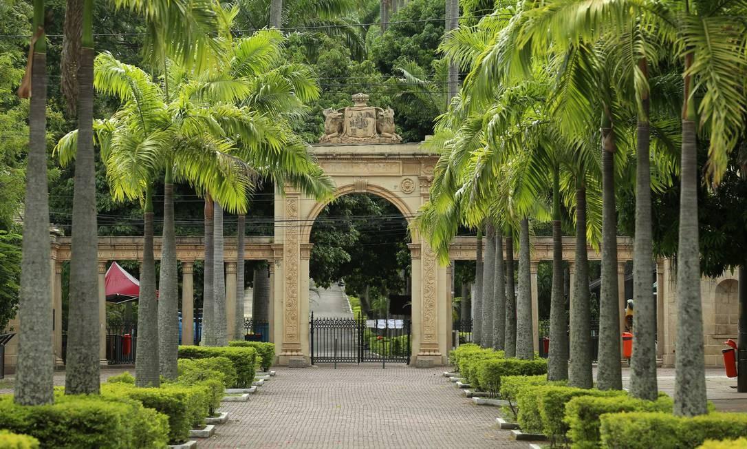 Zoológico está localizado no coração da Quinta da Boa Vista Foto: Marcelo Theobald / Agência O Globo