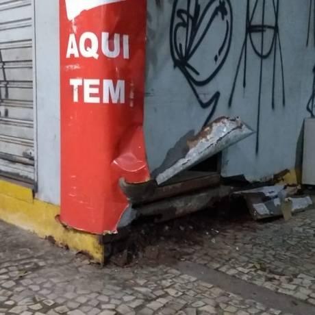 Represália. Banca na Rua Moreira César, em Icaraí: comerciantes atribuem ataque à reação de criminosos Foto: Foto de leitor / Terceiro