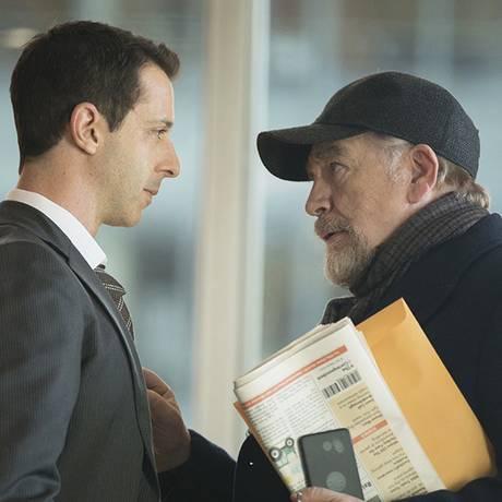 Jeremy Strong (à esquerda) é Kendall, o aparente herdeiro natural do magnata Logan Roy, vivido por Brian Cox Foto: Divulgação/HBO