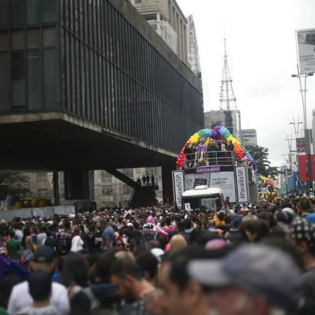 Multidão lota Avenida Paulista Foto: Marcos Alves/Agência O GLOBO / Marcos Alves/Agência O GLOBO