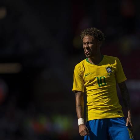 Neymar na partida deste domingo, contra a Croácia Foto: Alexandre Cassiano