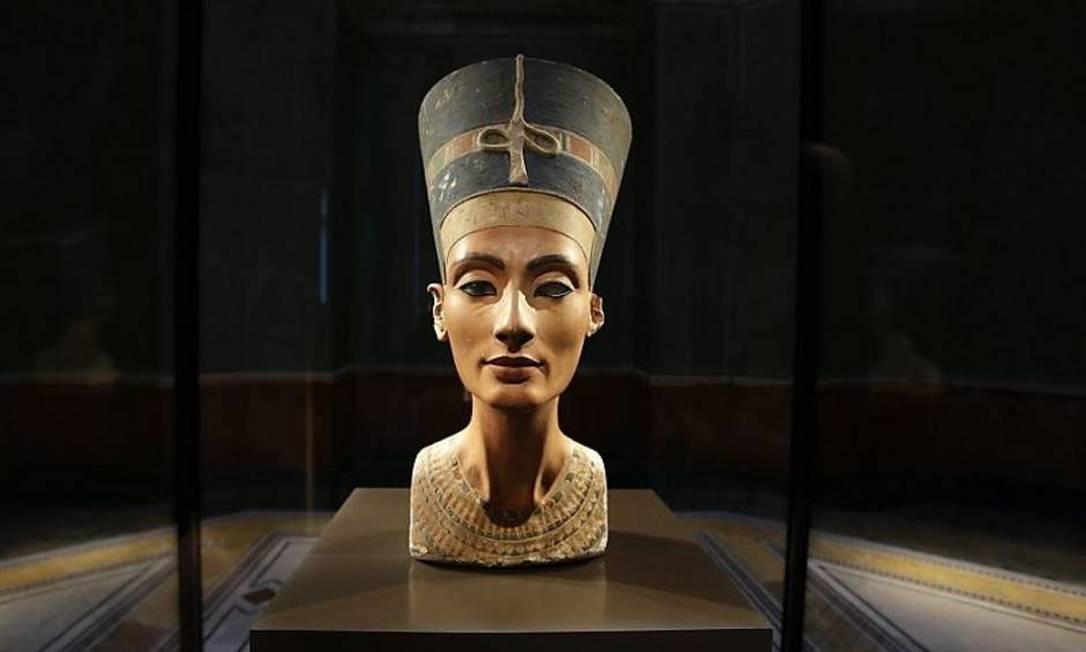 Busto de Nefertiti. A 'Mona Lisa de Berlim' foi descoberta por alemães numa expedição no Egito Foto: / Divulgação