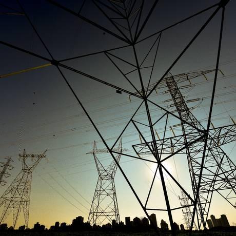 Torres de energia: debêntures de infraestrutura são opção de investimento Foto: Lucas Lacaz Ruiz