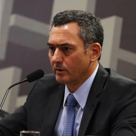 O ministro da Fazenda, Eduardo Guardia, durante debate político sobre preços de combustíveis na Comissão de Assuntos Econômicos (CAE) Foto: Givaldo Barbosa/Agência O Globo/29-05-2018