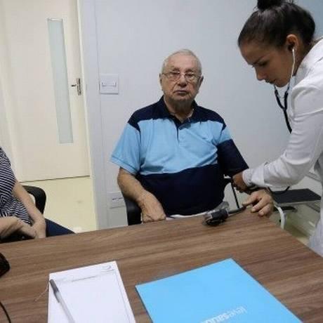 Célia Vasconcelos e o marido Manoel Sobrinho perderam o plano de saúde este ano Foto: Guilherme Pinto / Agência O Globo