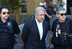 José Antunes Sobrinho, dono da Engevix, após ser preso pela Polícia Federal Foto: Geraldo Bubniak/Agência O Globo/21-09-2015