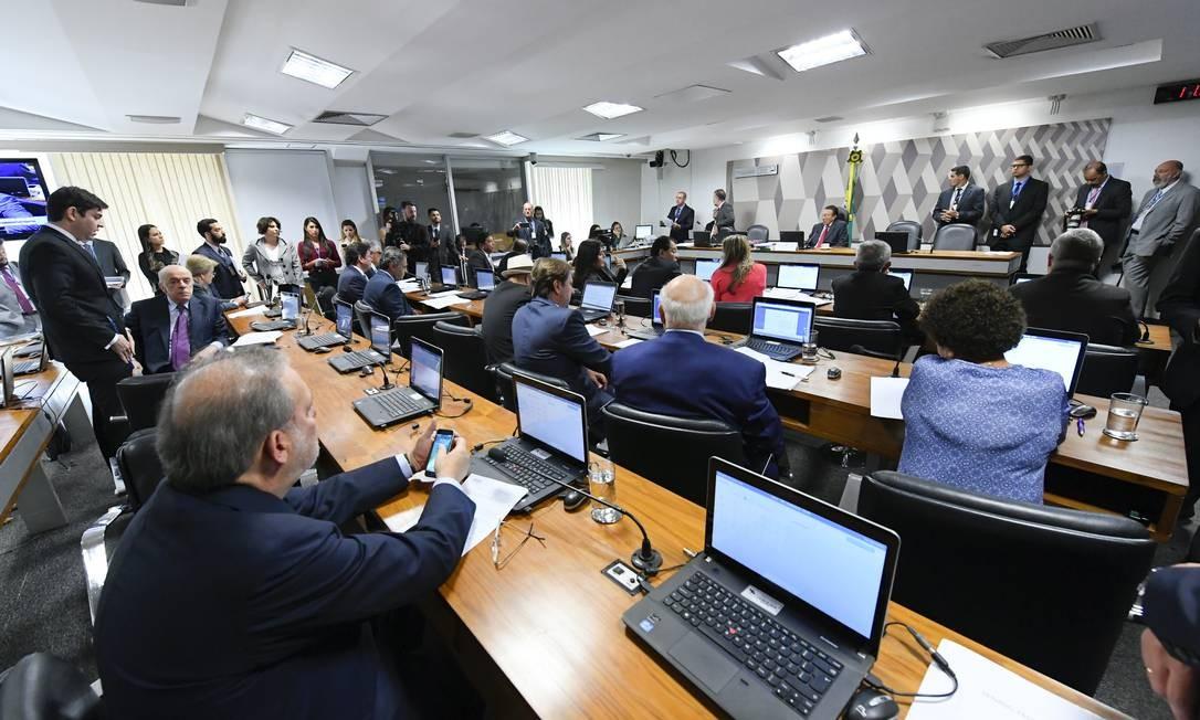 Sessão da Comissão de Constituição e Justiça (CCJ) do Senado Foto: Marcos Oliveira/Agência Senado