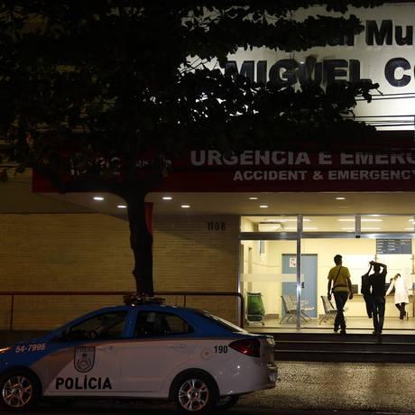 Feridos foram encaminhados para o Hospital Miguel Couto Foto: MARCOS DE PAULA / Agência O Globo