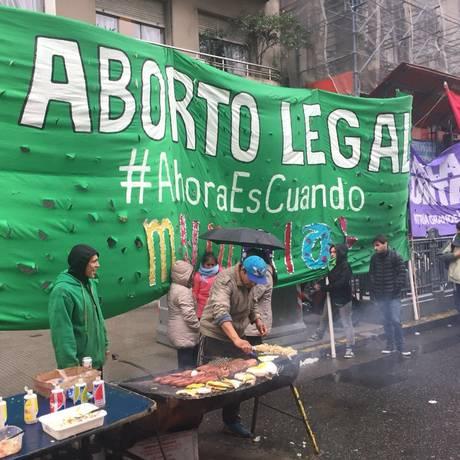 Protesto na Argentina pela descriminalização do aborto. O tema está atualmente em debate no Congresso Foto: Janaina Figueiredo