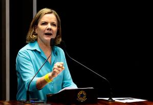 A senadora Gleisi Hoffmann (PT- PR) discursa no plenário completamente vazio Foto: Jorge William