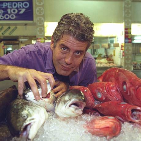Anthony Bourdain no Mercado do Peixe, em Niterói: