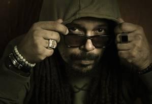 O músico Marcelo Falcão, que aproveita o recesso d'O Rappa para dedicar-se à carreira solo Foto: Leo Martins / Agência O Globo