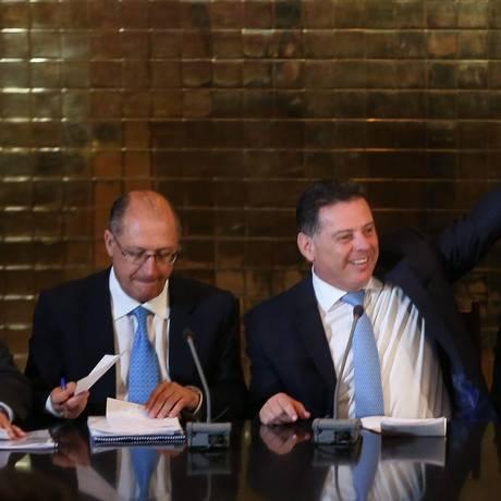 O ex-governador de SP Geraldo Alckmin e o ex-governador de Goiás Antonio Perillo Foto: André Coelho / Agância O GLOBO