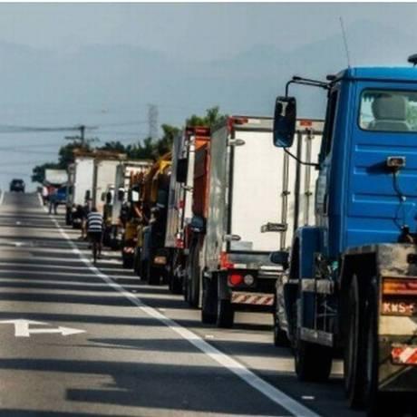 O tabelamento do frete foi uma das reivindicações da greve dos caminhoneiros Foto: Marcelo Régua - Agência O Globo