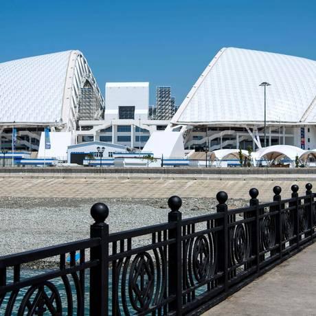 Estádio Olímpico Fisht visto pelo lado do mar Foto: JONATHAN NACKSTRAND / AFP