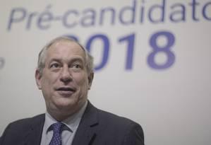 Ciro deve se reunir com Rodrigo Maia. Fragilidade de Alckmin pode aproximar PDT e DEM Foto: Daniel Marenco / Agência O Globo
