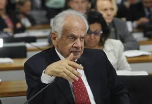 Pedro Simon participa de sessão da CCJ do Senado Foto: Geraldo Magela/Agência Senado/27-06-2013