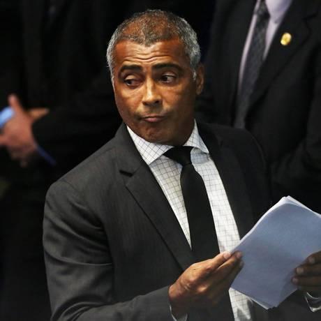 Romario, no plenário do Senado Federal Foto: Jorge William / Agência O Globo