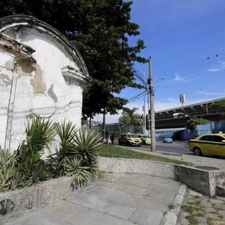 O chafariz do Lagarto, no Centro: história neglicenciada Foto: Marcos Ramos / Agência O Globo