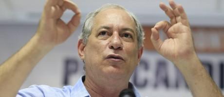 Gomes fala para sindicalistas na Força Sindical Foto: Edilson Dantas / Agência O Globo