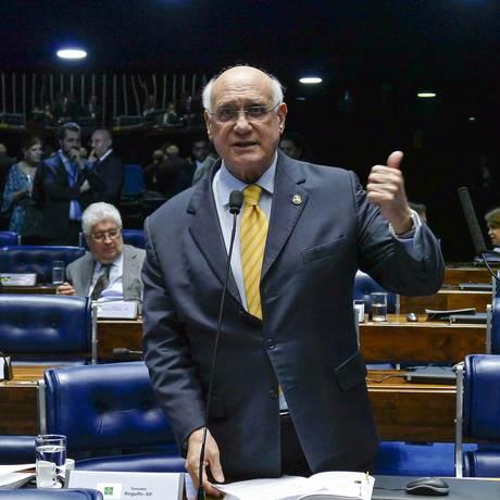 O senador Lasier Martins (PSD-RS), dura pronunciamento na tribuna do Senado Foto: Roque de Sá/Agência Senado