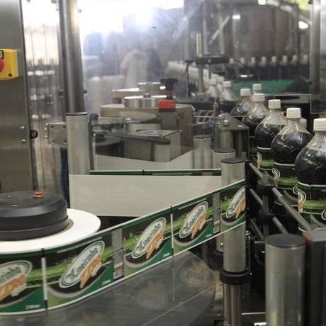 Fábrica de refrigerante em Santa Catarina Foto: Fábio Guimarães/Agência O Globo/25-05-2016