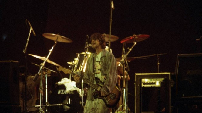 Kurt Cobain em show com o Nirvana em 1993 Foto: Márcia Foletto / Agência O Globo