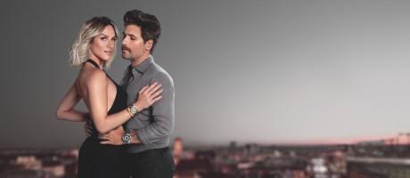 O casal Giovanna Ewbank e Bruno Galiasso estrela a campanha da linha Essence, da Technos Foto: Divulgação