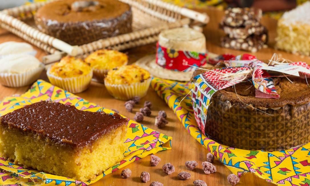 Farinha Pura. O arraiá tem bolo de milho cremoso (R$ 29,90, kg), fubá com goiabada (R$ 51,60, kg), queijadinha (R$ 44,70, kg) e outras delícias. R. Voluntários da Pátria 446, Botafogo (3239-8000) LipeBorges (lipeborges.com.br) / Divulgação