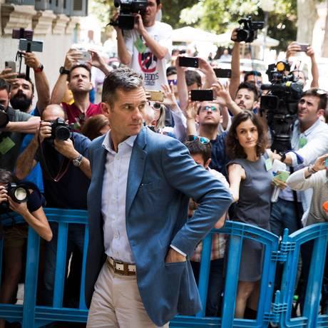 Cunhado de rei da Espanha, Iñaki Urgangarin, chega a tribunal em Palma de Maiorca Foto: JAIME REINA / AFP