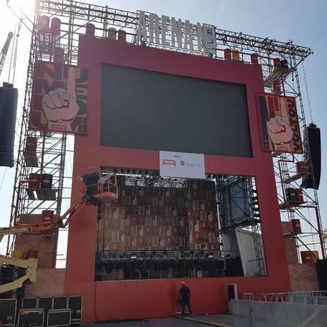 Arena nº 1, na Praça Mauá, receberá atrações como Fernanda Abreu, depois do jogo de estreia Foto: Divulgação/Peck Produções