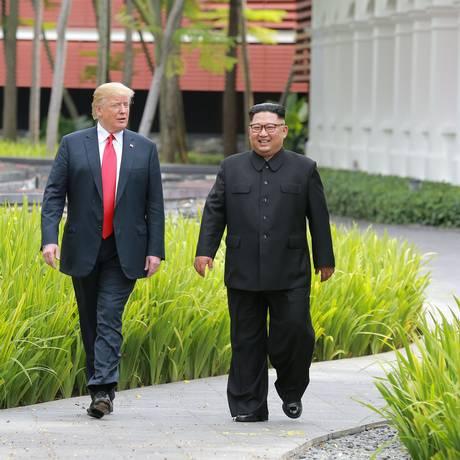 Trump passeia com Kim em Cingapura: republicanos esperam que encontro renda frutos eleitorais Foto: KCNA / REUTERS