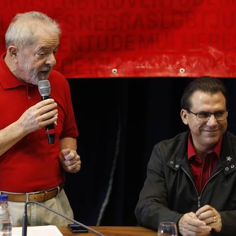 Luiz Marinho, quando assumiu a presidência estadual do PT, em junho do ano passado, ao lado do ex-presidente Lula Foto: Edilson Dantas - 10/06/2017 / Agência O Globo