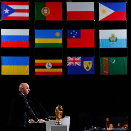O presidente da Fifa, Gianni Infantino, durante anúncio das sedes da Copa de 2026 Foto: SERGEI KARPUKHIN / REUTERS