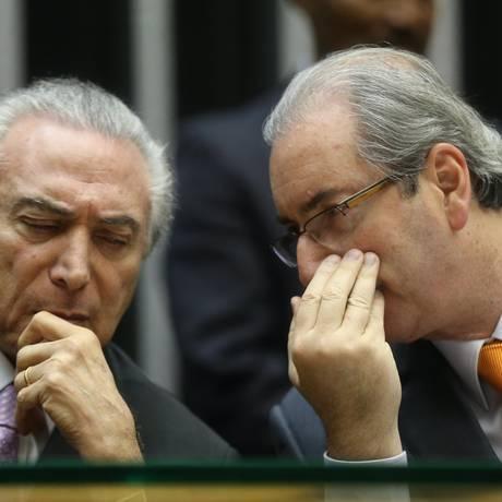O então deputado Eduardo Cunha e o presidente Michel Temer, em 08/07/2015 Foto: André Coelho / Agência O Globo