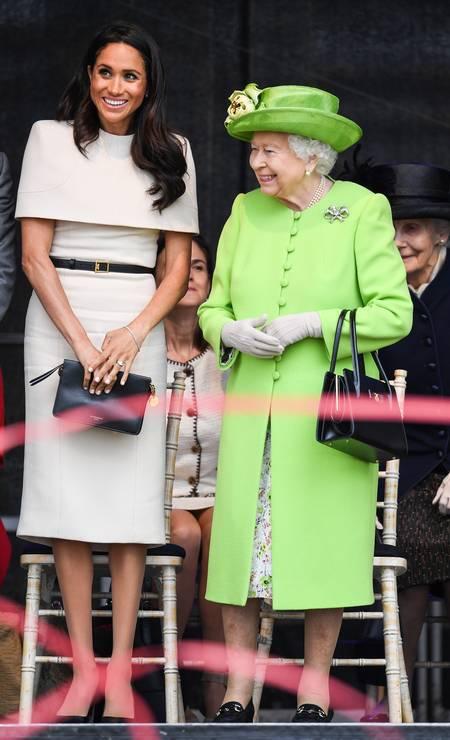 A rainha usou verde, como no casamento real, e Meghan voltou a usar Givenchy Foto: Jeff J Mitchell / Getty Images