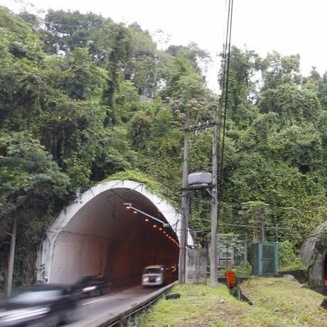Túnel Zuzu Angel, nos sentidos Barra da Tijuca e Gávea Foto: Fabio Rossi / Agência O Globo