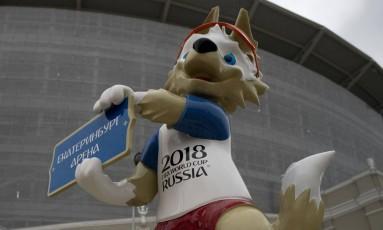 Mascote da Copa do Mundo, Zabivaka recebe o público em Ecaterimburgo Foto: JORGE GUERRERO / AFP