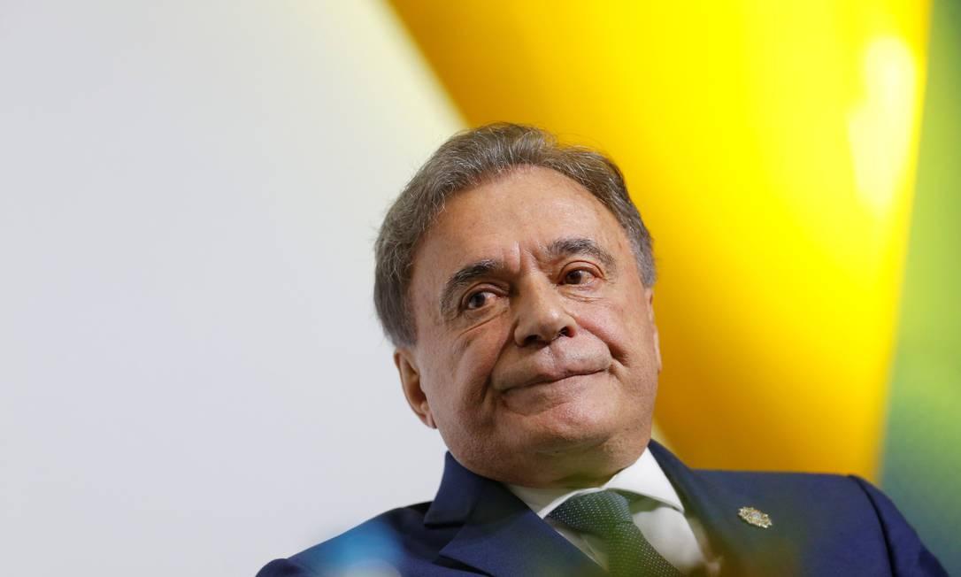 Alvaro Dias diz que discute alianças com cinco partidos e que 'República precisa ser refundada' - Jornal O Globo