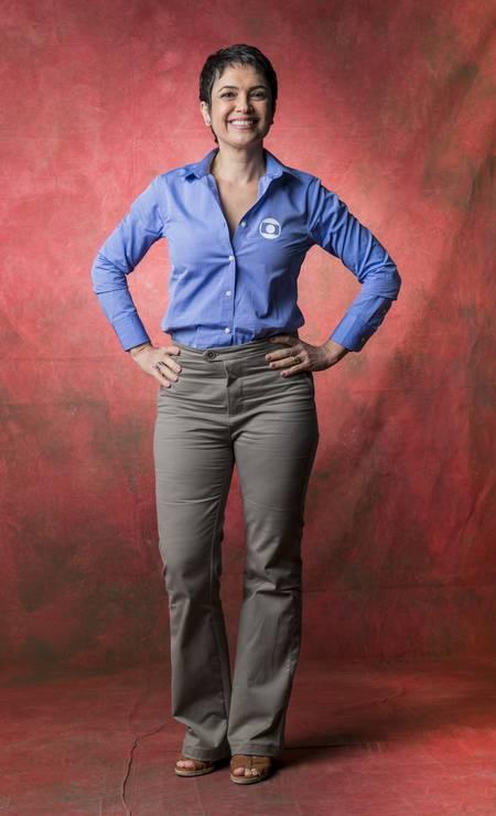 Sandra Annenberg prefere a calça com corte de alfaiataria à saia lápis Foto: João Miguel Júnior / TV Globo