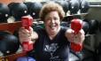 A aposentada Tania Nogueira divide a semana entre musculação e pilates e adora planejar viagens Foto: Marcos Ramos / Agência O Globo