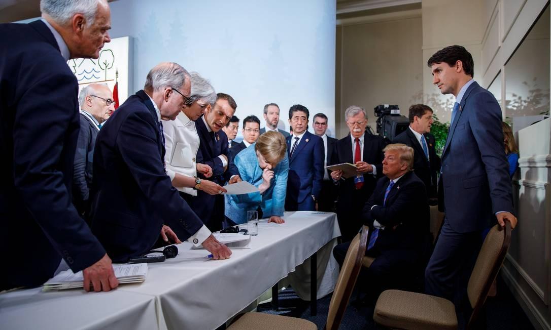 Trump e os líderes do G-7, que reúne os aliados mais tradicionais dos EUA, na cúpula do Canadá: Europa tem recursos, mas está muito dividida para fazer frente aos EUA Foto: HANDOUT / REUTERS/9-6-2018