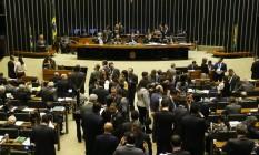 A Câmara dos Deputados em plenário Foto: Ailton de Freitas / Agência O Globo