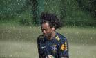 Marcelo durante o treino da seleção brasileira em Sochi. Foto: Alexandre Cassiano / Agência O Globo